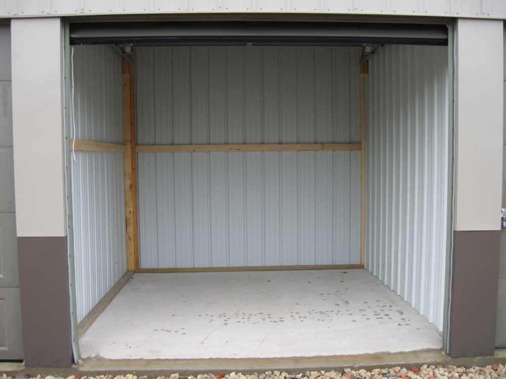 & Storage Unit 10 x 10 ft
